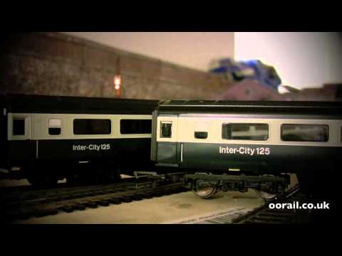 Hornby BR Eastern Region HST: Mk3 TS Coaches with Lighting
