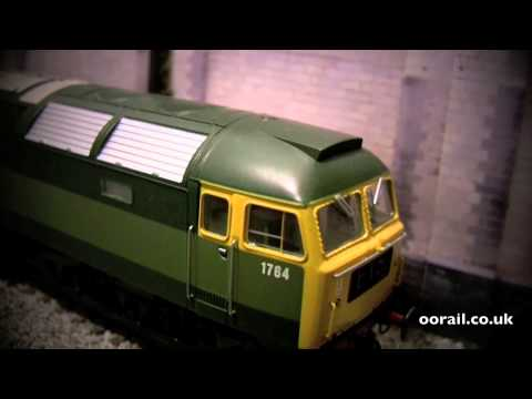 D1764 Class 47 Diesel Locomotive in two-tone BR Green