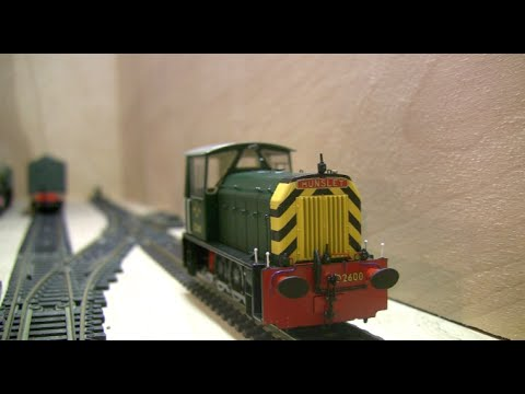 Heljan Class 05 Hunslet Shunter in BR Green with Wasp stripes