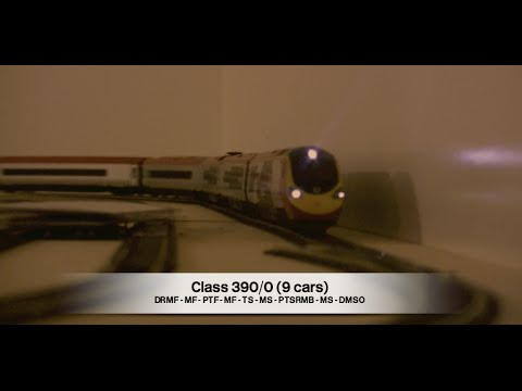 Class 390/0 Pendolino 9 car in OO scale - Hornby